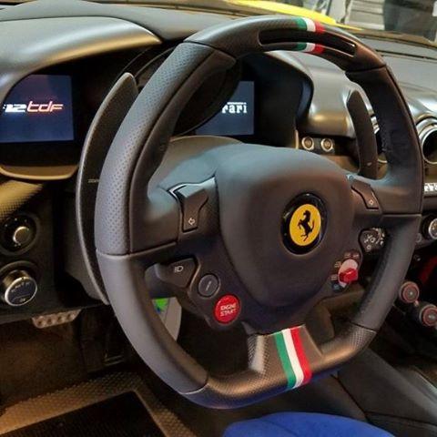 Cận cảnh siêu xe Ferrari F12tdf có một không hai của ông chủ hãng trang sức - Ảnh 8.