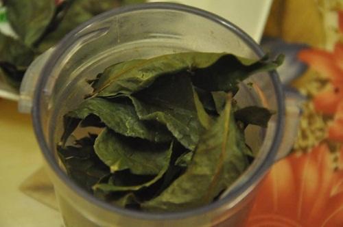 Tự làm bột trà xanh dưỡng da mềm mịn trắng sáng tại nhà