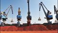 Sản lượng thép thô của Trung Quốc giảm tháng thứ 3 do hạn chế sản xuất