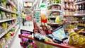 Nhiều mặt hàng hàng thiết yếu giảm giá dịp cận Tết
