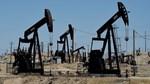 Giá dầu Mỹ tăng vọt hơn 6%