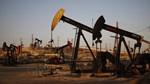 Giá dầu lao dốc hơn 5% do sản lượng của OPEC đạt đỉnh 3 năm