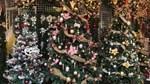 Không khí mua sắm Noel bắt đầu nhộn nhịp