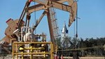 TT dầu TG ngày 28/4: Giá dầu đối mặt với sụt giảm tuần thứ hai do dư cung kéo dài