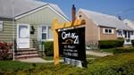 Mỹ: Doanh số bán nhà mới cao nhất 7 tháng, song thất nghiệp tăng