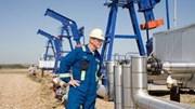 Bloomberg: Giá dầu sẽ còn giảm sâu