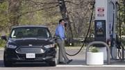 Giá dầu giảm tiếp hơn 2% cùng đà bán tháo chứng khoán toàn cầu