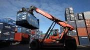 Thương mại toàn cầu tăng trưởng yếu nhất kể từ 2009