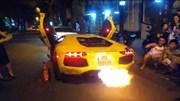 """Hot girl """"đánh thức"""" Sài Gòn lúc nữa đêm bằng màn nẹt pô trên Lamborghini Aventador"""