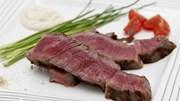 """Cận cảnh thịt bò giá """"khủng"""" của Nhật Bản"""