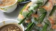 """8 món ăn đường phố Sài Gòn lọt vào """"mắt xanh"""" của CNN"""