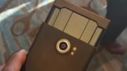 BlackBerry Priv lộ ảnh thật, mỏng hơn Galaxy Note 5