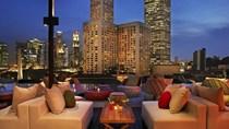 """Giá phòng khách sạn đang rất rẻ, đã đến lúc """"xách balo"""" đến Hồng Kông và Singapore!"""