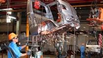 Trung Quốc cắt khoản trợ cấp môi trường của 7 hãng sản xuất ô tô