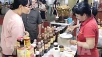 """Khai mạc Hội chợ Triển lãm """"Tôn vinh hàng Việt"""" năm 2019"""