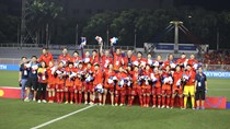 Vingroup tặng xe cho tuyển bóng đá nữ Việt Nam