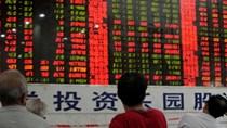 Tiền lại tháo chạy khỏi chứng khoán Trung Quốc