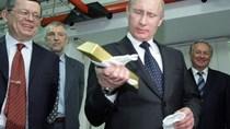 Báo Đức: Tổng thống Nga sai lầm khi cho dự trữ vàng thay USD