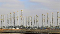 Giá xăng, dầu thế giới bất ngờ tăng vọt