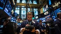 Giới đầu tư bán tháo cổ phiếu trên toàn cầu