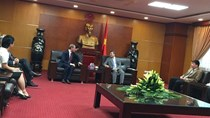 Thứ trưởng Hoàng Quốc Vượng tiếp Chuyên gia Kinh tế trưởng Gael Giraud
