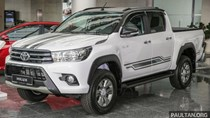 Cận cảnh Toyota Hilux bản đặc biệt mới tại Malaysia