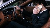 """Bộ sưu tập điện thoại """"chất nghệ"""" cho quý ông đi xe sang"""