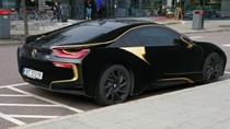 Lạ mắt với xe thể thao BMW i8 bọc nhung đen mượt mà, chịu được nắng gắt lẫn mưa rào