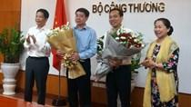Bộ trưởng Trần Tuấn Anh trao QĐ bổ nhiệm và chúc mừng tân Vụ trưởng Vụ Tổ chức cán bộ
