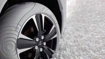 Lexus UX lạ mắt trong bộ lốp Nike trắng muốt