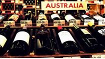 Trung Quốc áp thuế chống bán phá giá với rượu vang Australia