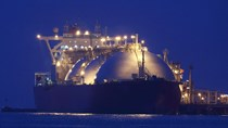 Thời tiết lạnh ở châu Á cùng sai lầm của các nhà NK khiến giá LNG tăng cao kỷ lục