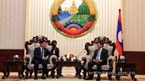 Bộ trưởng và Đoàn đại biểu Bộ Công Thương VN chào xã giao TTCP Lào Thoong-lun Sisulít