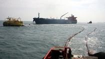 Trung Quốc tiếp tục nhập khẩu dầu mỏ từ Iran bất chấp các lệnh trừng phạt của Mỹ