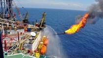Giá dầu thế giới giảm sốc, xuất khẩu mất gần 2,5 tỷ USD