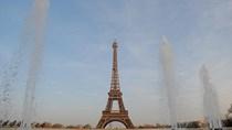 Đóng cửa tháp Eiffel vì nghi có khủng bố