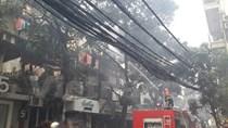 [Video] Cháy lớn sau một tiếng nổ ở khu tập thể phố Trần Quốc Toản