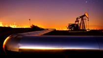 Giá dầu xuống thấp nhất 11 năm bất chấp căng thẳng ở Trung Đông