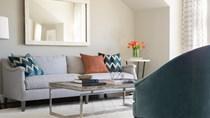 Thiết kế căn hộ chung cư tinh tế với những chỗ ngồi cạnh cửa sổ