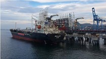 Nhà máy Lọc hóa dầu Nghi Sơn xuất 5.000 m3 xăng RON 92 đầu tiên