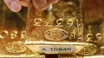 """Giá vàng thế giới rời khỏi mức """"đỉnh"""" của ba tuần qua"""