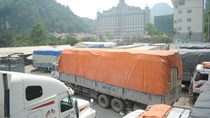 Trung Quốc phá giá NDT, nông sản Việt gặp khó
