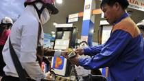 Giá xăng giảm 260 đồng/lít, dầu giảm 1.100 đồng/lít