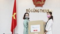 C.ty Lưới điện Phương Nam Trung Quốc trao tặng Bộ Công Thương vật tư y tế chống dịch