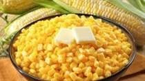 Thu hoạch đậu tương và ngô bị trì hoãn do mưa kéo dài