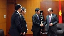 Bộ trưởng Trần Tuấn Anh tiếp xã giao Đại sứ Ca-ta tại Việt Nam