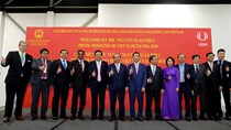 Bộ trưởng Trần Tuấn Anh tháp tùng Thủ tướng thăm chính thức Singapore