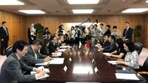 Bộ trưởng Trần Tuấn Anh hội đàm song phương với Bộ trưởng Kinh tế Nhật Bản