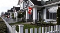 Quy định mới của Trung Quốc giúp hạ nhiệt thị trường địa ốc Canada