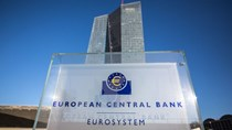 Chương trình mua trái phiếu đẩy lợi nhuận ròng của ECB tăng cao